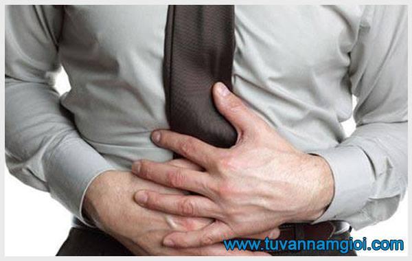 Những cơn đau bụng dưới ở nam thường xuất hiện một cách đột ngột