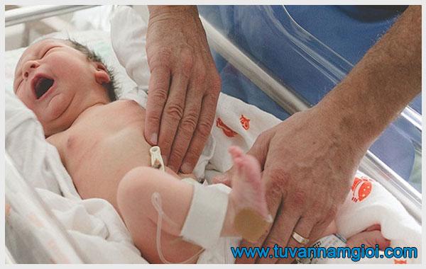 Viêm tinh hoàn ở trẻ sơ sinh thường ít xảy ra hơn người lớn